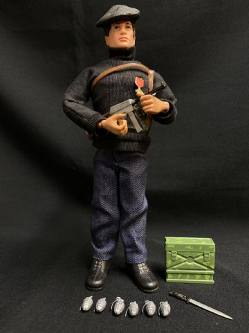VINTAGE ACTION MAN  - FRENCH RESISTANCE FIGHTER - SOLDIERS OF THE WORLD